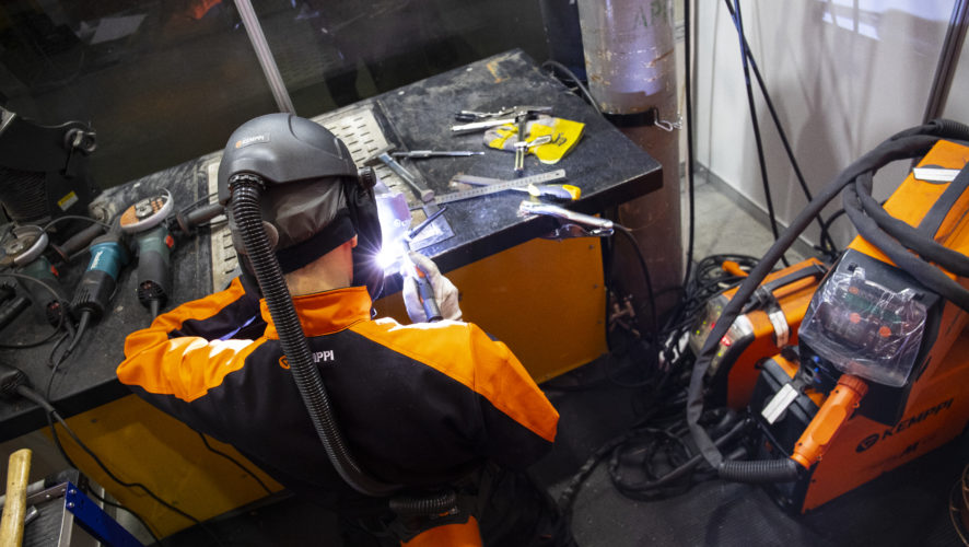 Training a new generation of welders